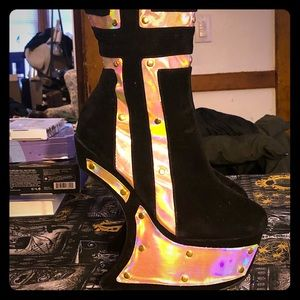 Shoes - 🦄🖤holographic wedge boots sz 7 🖤🦄